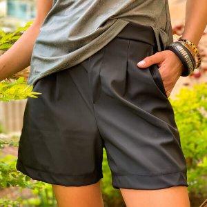 جيوب سوداء تشبه الجيوب الشبكية القصيرة