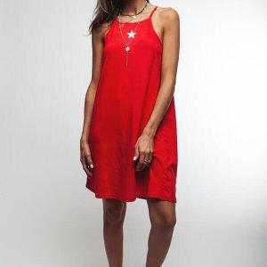 فستان أحمر بياقة من القطن بطبعة نجمة