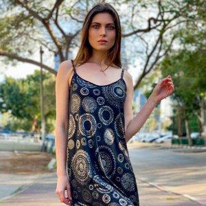 שמלות כתפיות