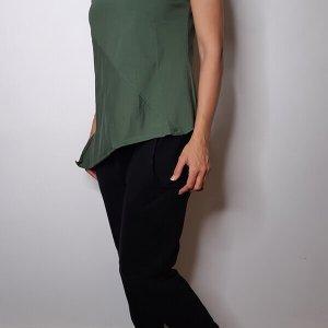 חולצה וי אסימטרית כותנה ירוקה