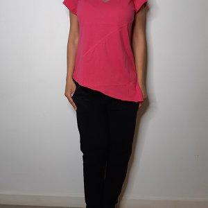 חולצה וי אסימטרית כותנה פוקסיה