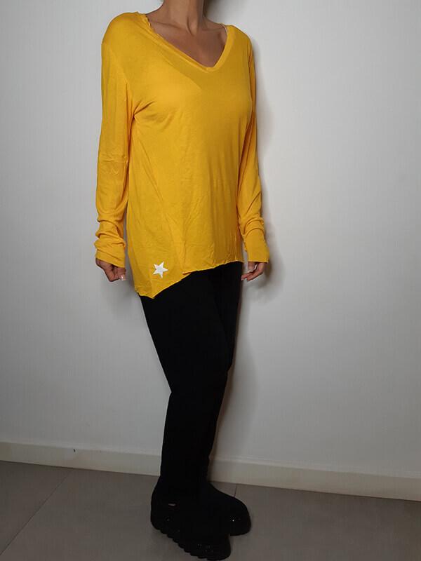 חולצה צהובה וי גזורה כותנה כוכב