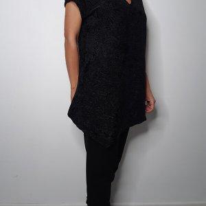 חולצת קטיפה פליסה שחורה