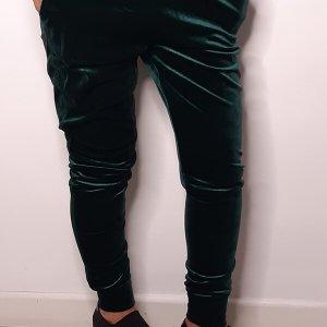 מכנס קטיפה ירוק גומי וכיסים