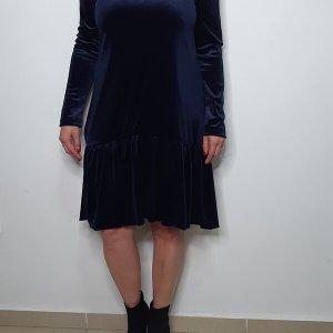 שמלת קטיפה כחולה