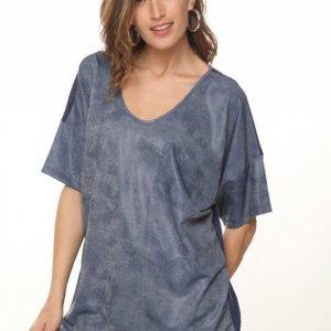 חולצת אוברסייז גינס שילוב כותנה מחוררת