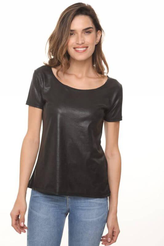 قميص يشبه الجلد الأسود مع مزيج من القطن المثقب