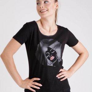 قميص أسود إيدا