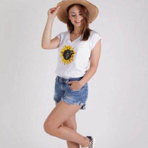חולצה חמניה לבנה