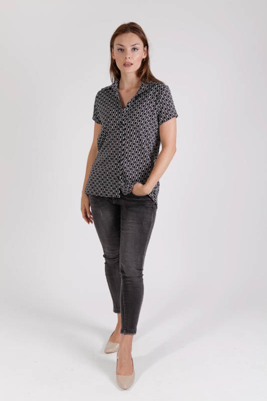חולצה עינבל הדפס שחור לבן