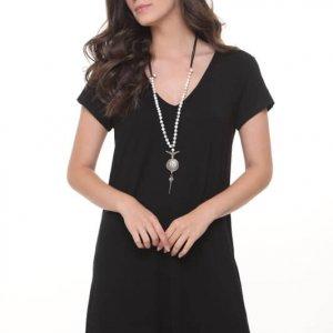 فستان من خشب البلوط الأسود