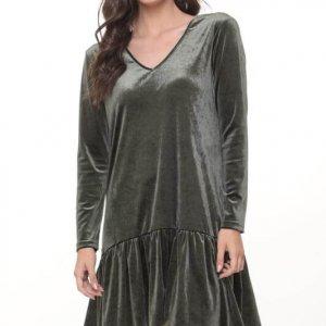 فستان أخضر مخملي من الياسمين