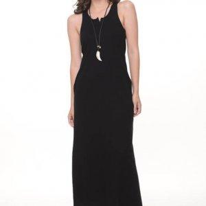 فستان من القطن الأسود