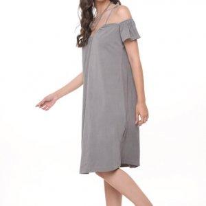 فستان رمادي شفاف