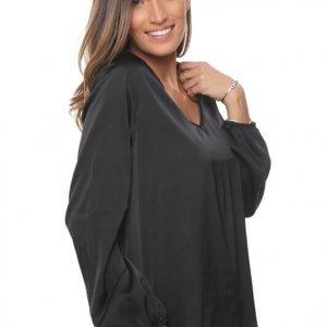 قميص حجاب أسود