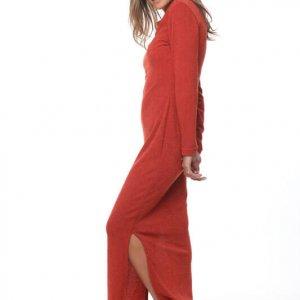 فستان أحمر عتيق من الزنجبيل المتماسك