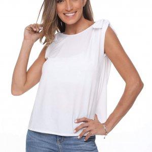 قميص أبيض يشبه الجلد الرنة