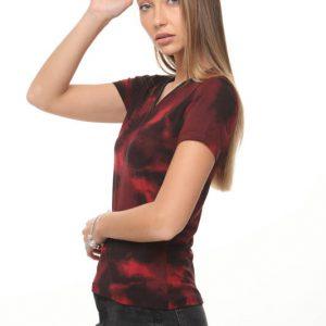قميص أودري الأسود والأحمر