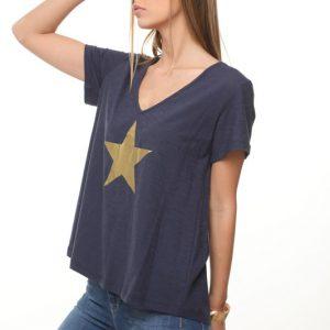 قميص القميص الأزرق نجم كبير