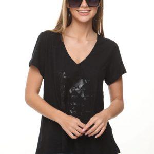 قميص أسود بتصميم المناظر الطبيعية