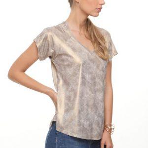 قميص رينات يشبه الجلد الذهبي