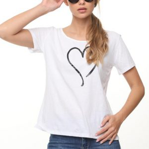 חולצה רינת לבנה לב גדול