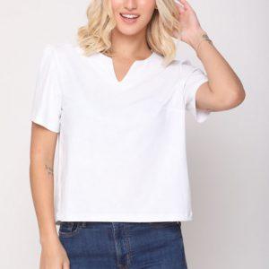 قميص كحلي يشبه الجلد الأبيض