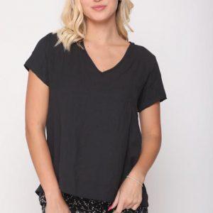 قميص أسود أرجواني