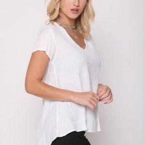 قميص منسوج من الكتان الأبيض