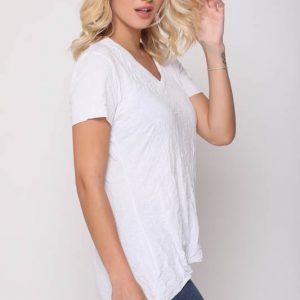 قميص جيب أبيض متجعد